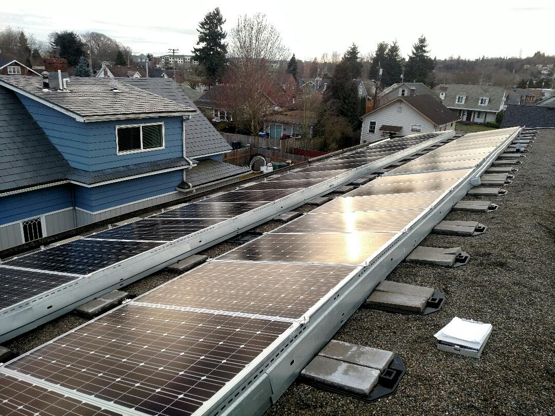 Maple Valley, WA - Maintenance on a the large rooftop system