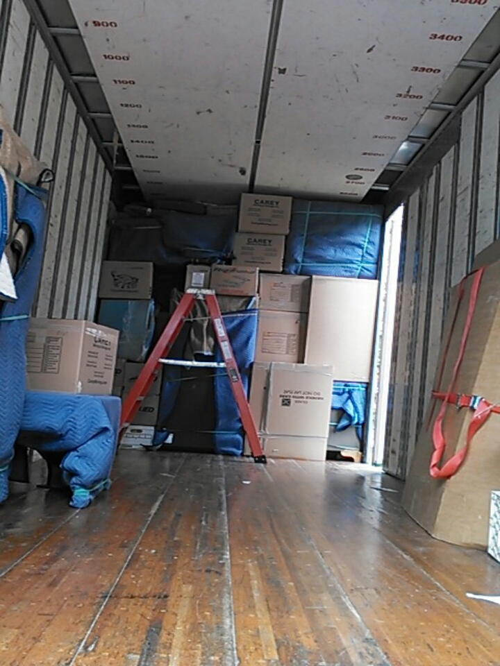 Huntersville, NC - loading  and Shuttle