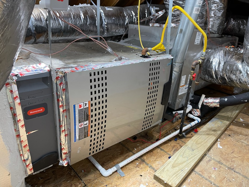 Baytown, TX - Heater maintenance. Performed a tuneup on a Lennox furnace.