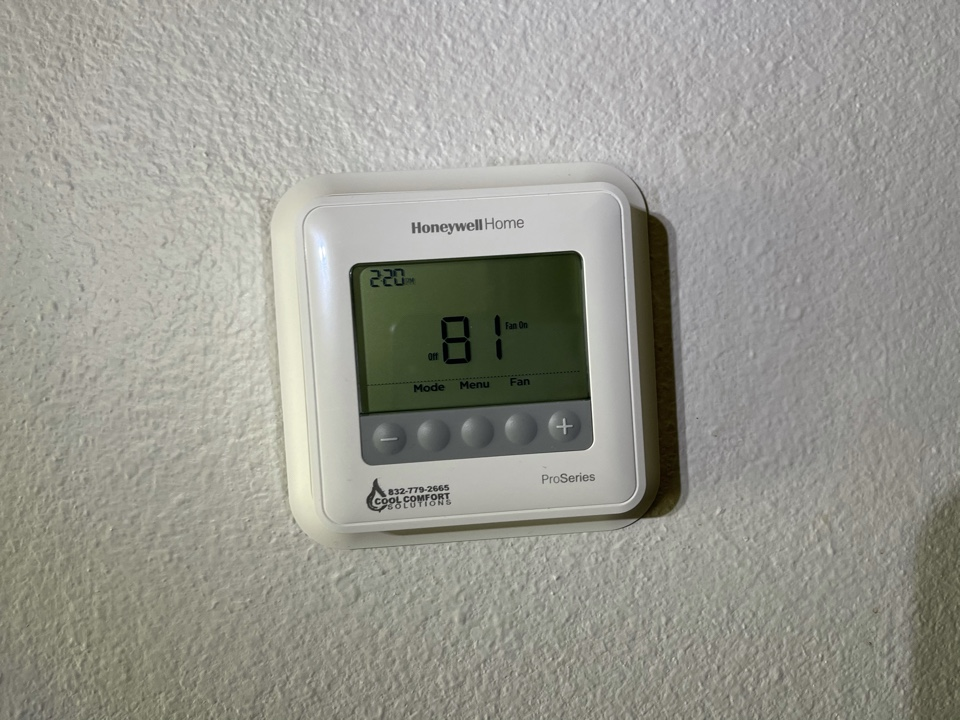 Baytown, TX - Ac service. Performed an ac repair on the ac unit.