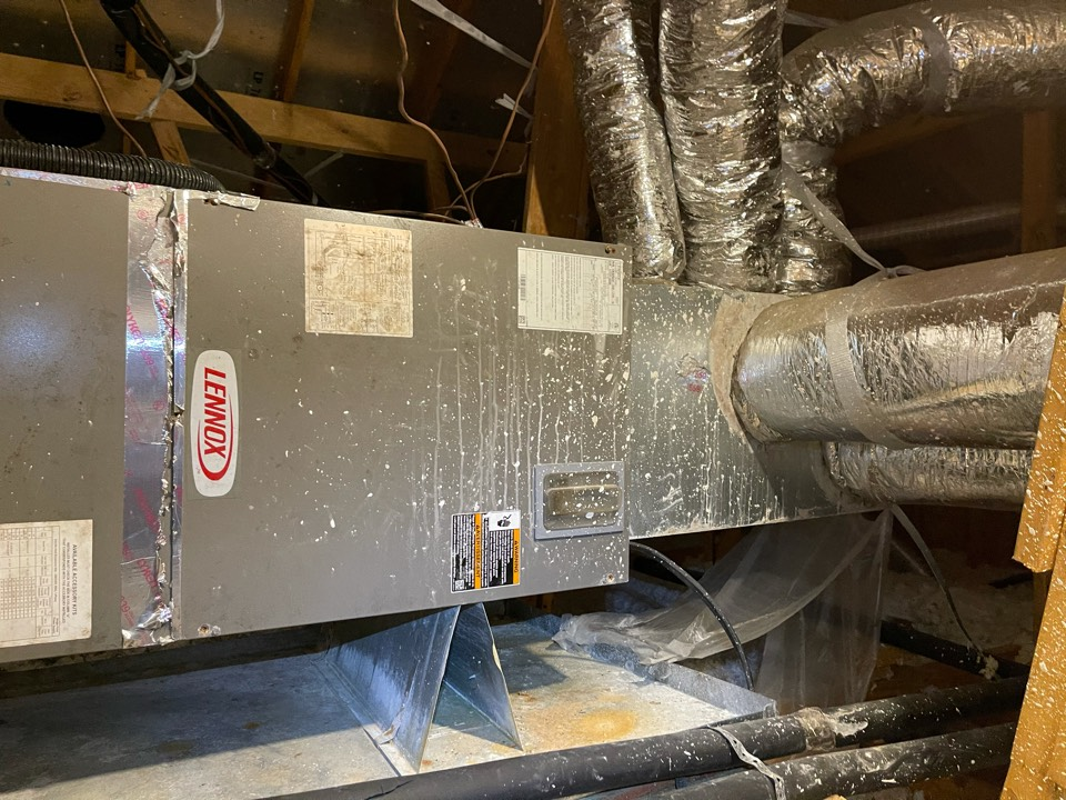 Mont Belvieu, TX - Heater service. Performed a heater repair on a Lennox heater.