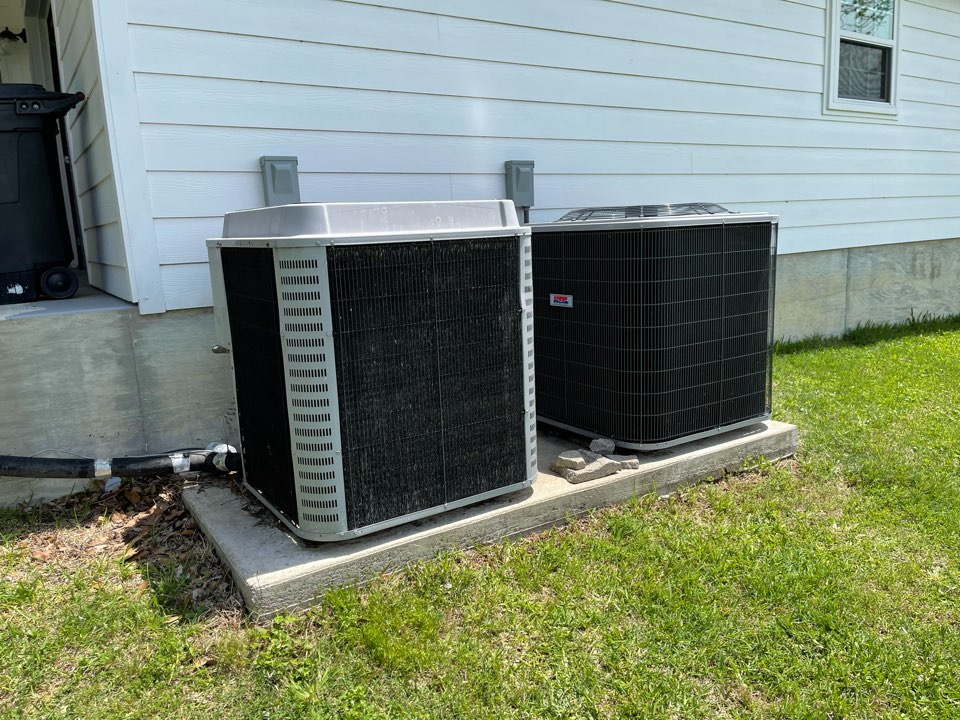 Highlands, TX - Ac maintenance. Performed a tuneup on Heil ac units.
