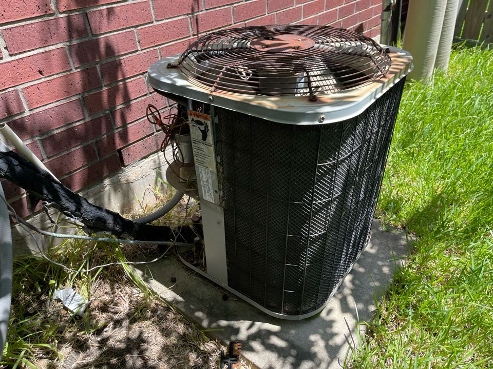 Baytown, TX - Ac service. Performed an ac repair on an Aireflow ac unit.