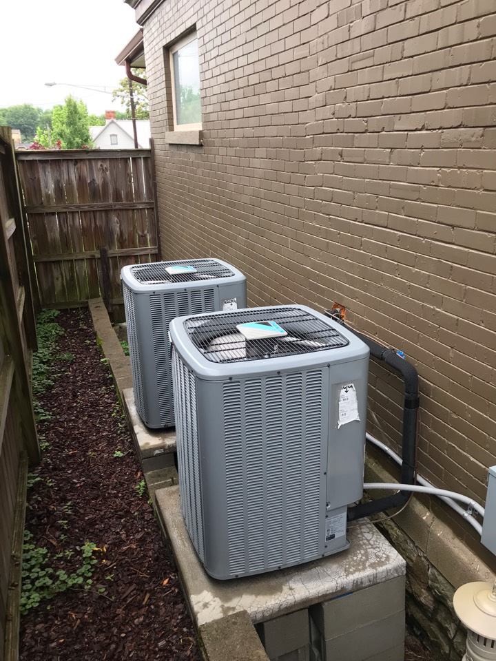 Nashville, TN - Completed cooling maintenance on 4 systems. Adjusted equipment for quieter and more efficient cooling. Renewed annual maintenance agreement.