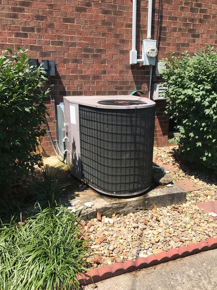 Murfreesboro, TN - No cool call. Older system with no refrigerant. Recommended replacement for better efficiency.