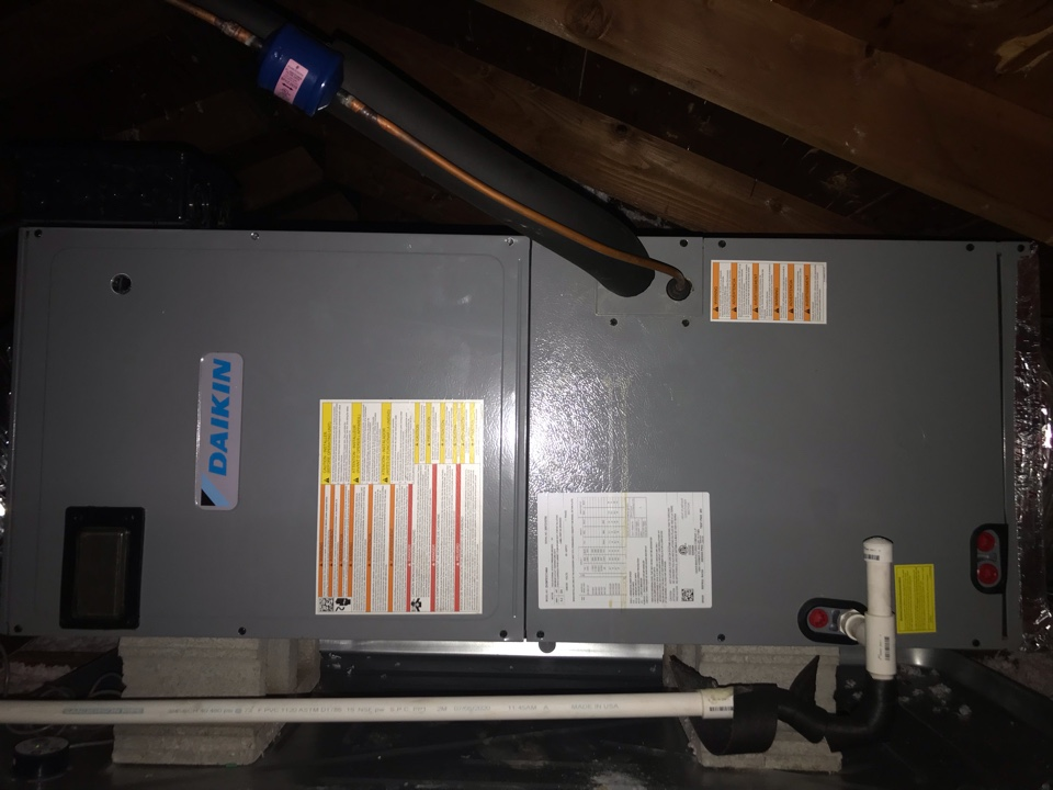 Nashville, TN - Completed cooling maintenance on newly installed high efficiency system. Customer elected to sign on to continue annual maintenance to ensure long life and continued high efficiency heating/cooling.