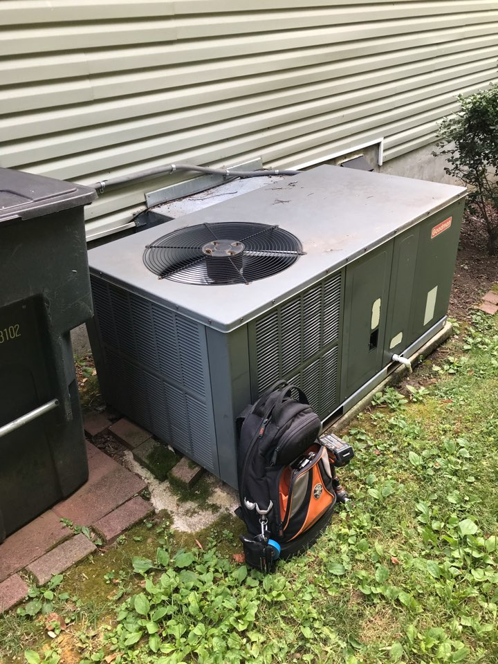 Nashville, TN - Completed cooling maintenance and some repairs on 1 system.