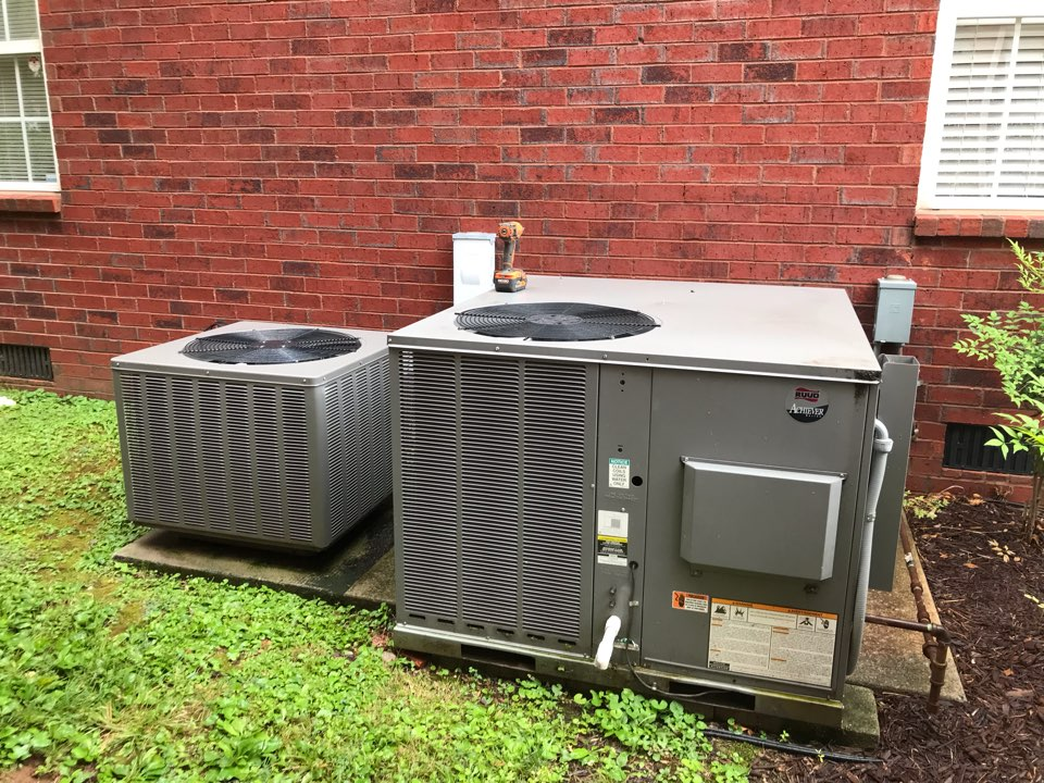 Murfreesboro, TN - Completed cooling maintenance on 2 system.