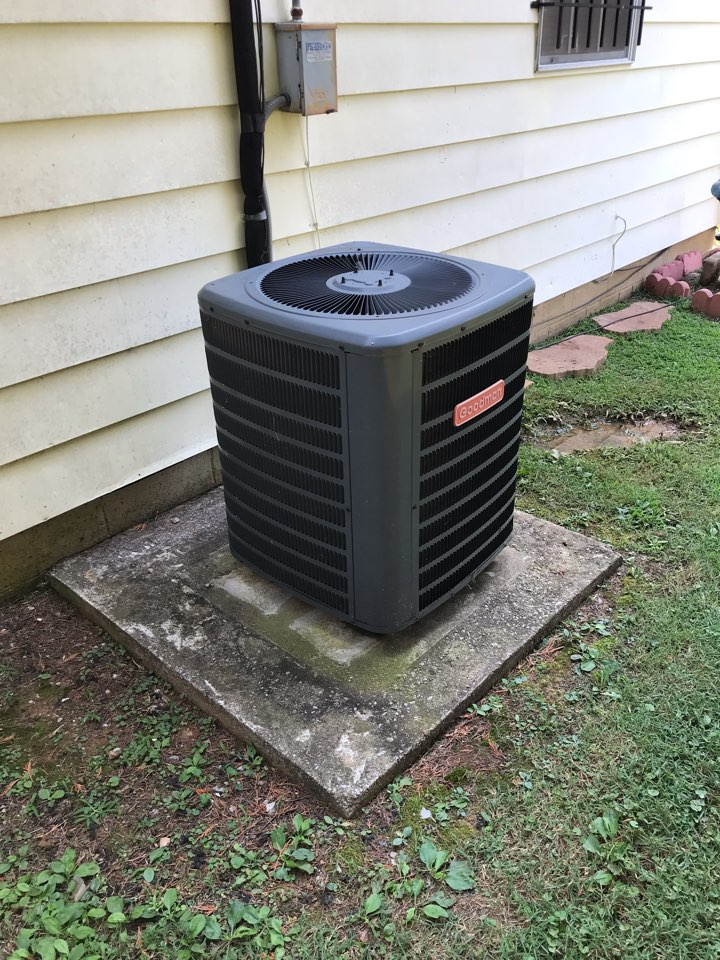Murfreesboro, TN - Completed cooling maintenance. Found leak and informed customer of all options regarding repairs.
