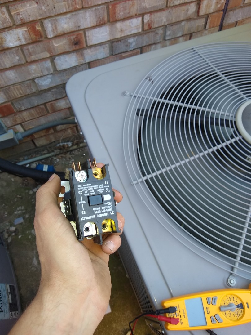 Flower Mound, TX - Contactor shorted out causing AC not to work.