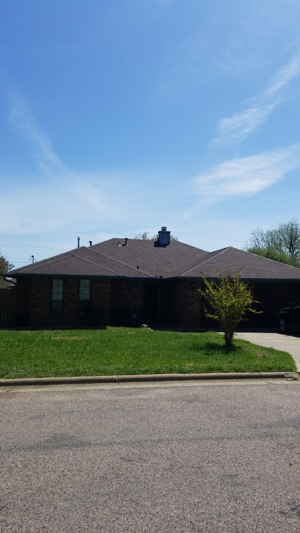 Sherman, TX - Lankford Roofing installed a beautiful new Owen's Corning shingle roof.