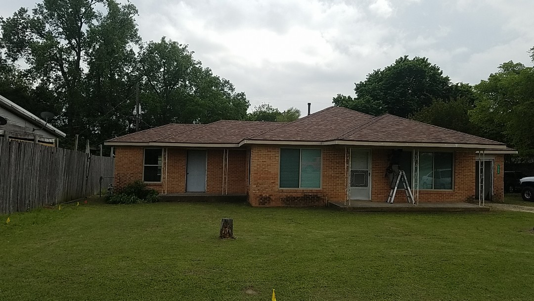 Whitesboro, TX - All new fascia soffit and Owens Corning aged Cedar roof by Langford Roofing in Whitesboro Texas