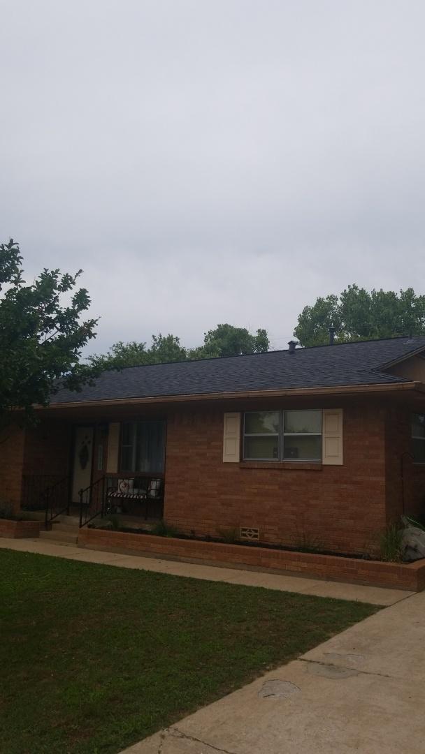 Denison, TX - Lankford Roofing installed a beautiful new Owen's Corning Oakridge Onyx black shingle roof in Denison Tx.