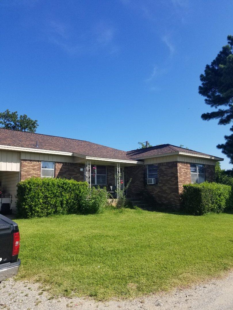 Denison, TX - Lankford Roofing installed a beautiful new Owen's Corning Oakridge shingle roof.
