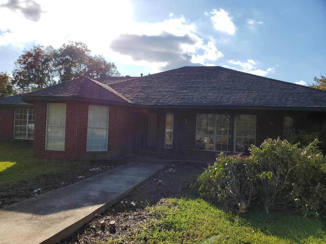 Savoy, TX - Beautiful new Owens Corning pepper mill Gray roof by Langford roofing in Savoy Texas