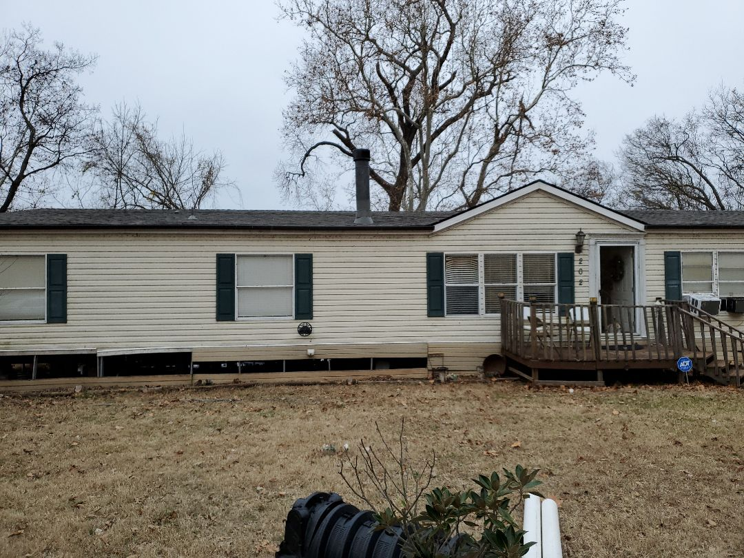 Colbert, OK - Install new Owens Corning driftwood rave and bronze colored getters in Colbert Oklahoma by lankford reefing