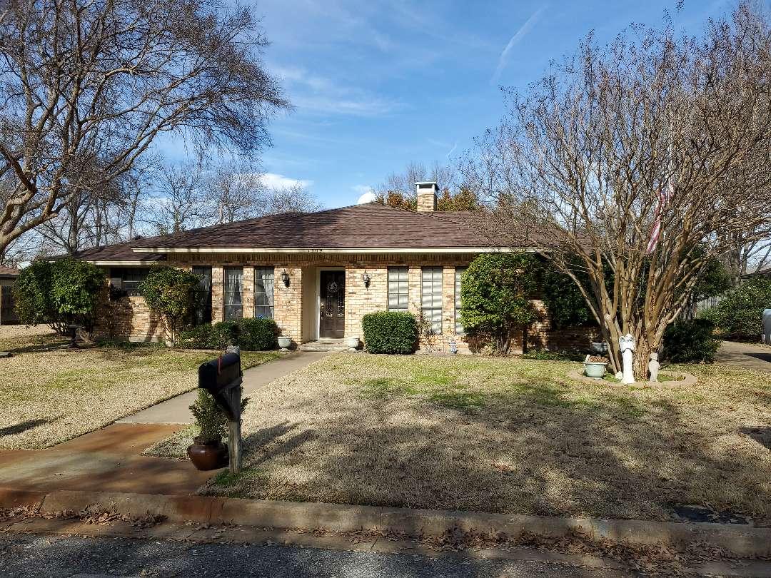 Sherman, TX - Install beautiful new Owens Corning Oak Ridge Brownwood roof on home in Sherman Texas