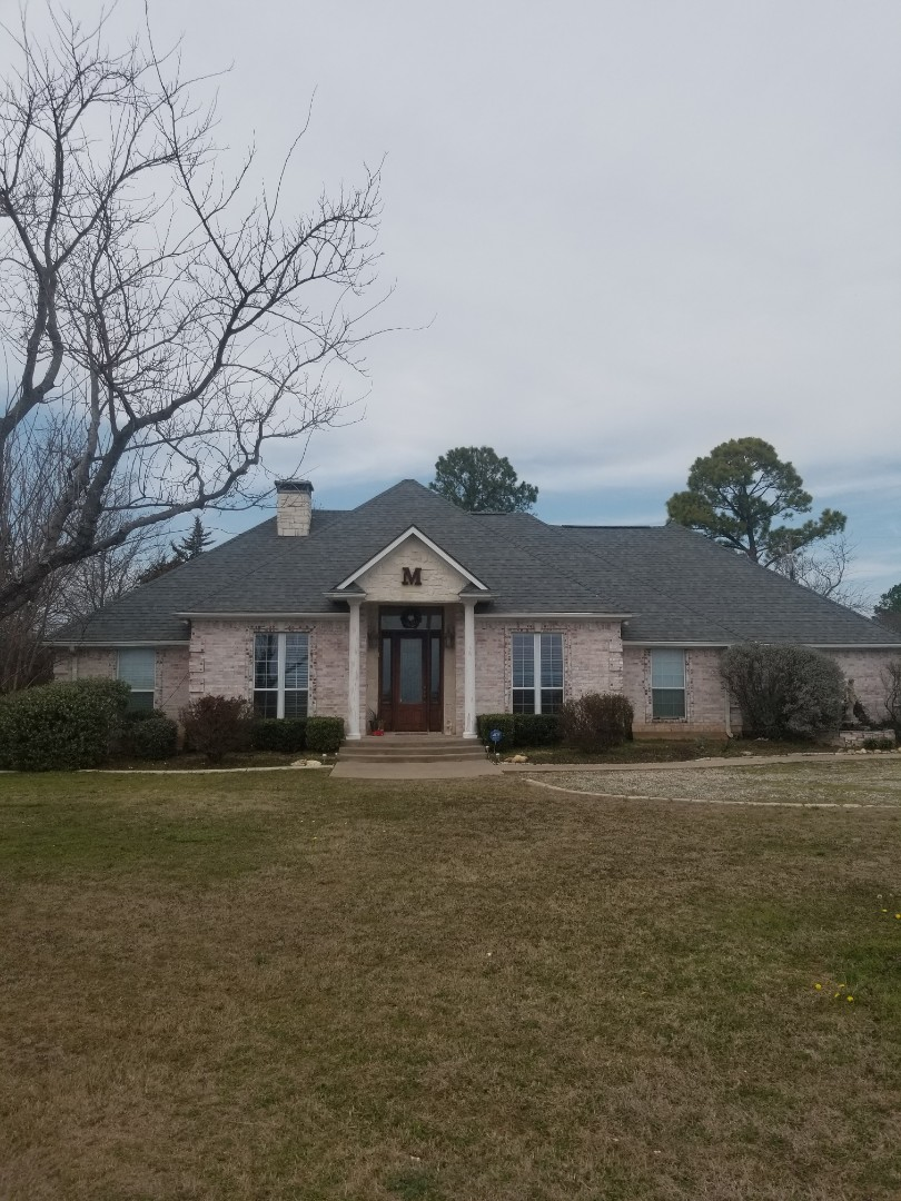 Denison, TX - Lankford Roofing just installed a beautiful new Owen's Corning Duration Estate Gray shingle roof