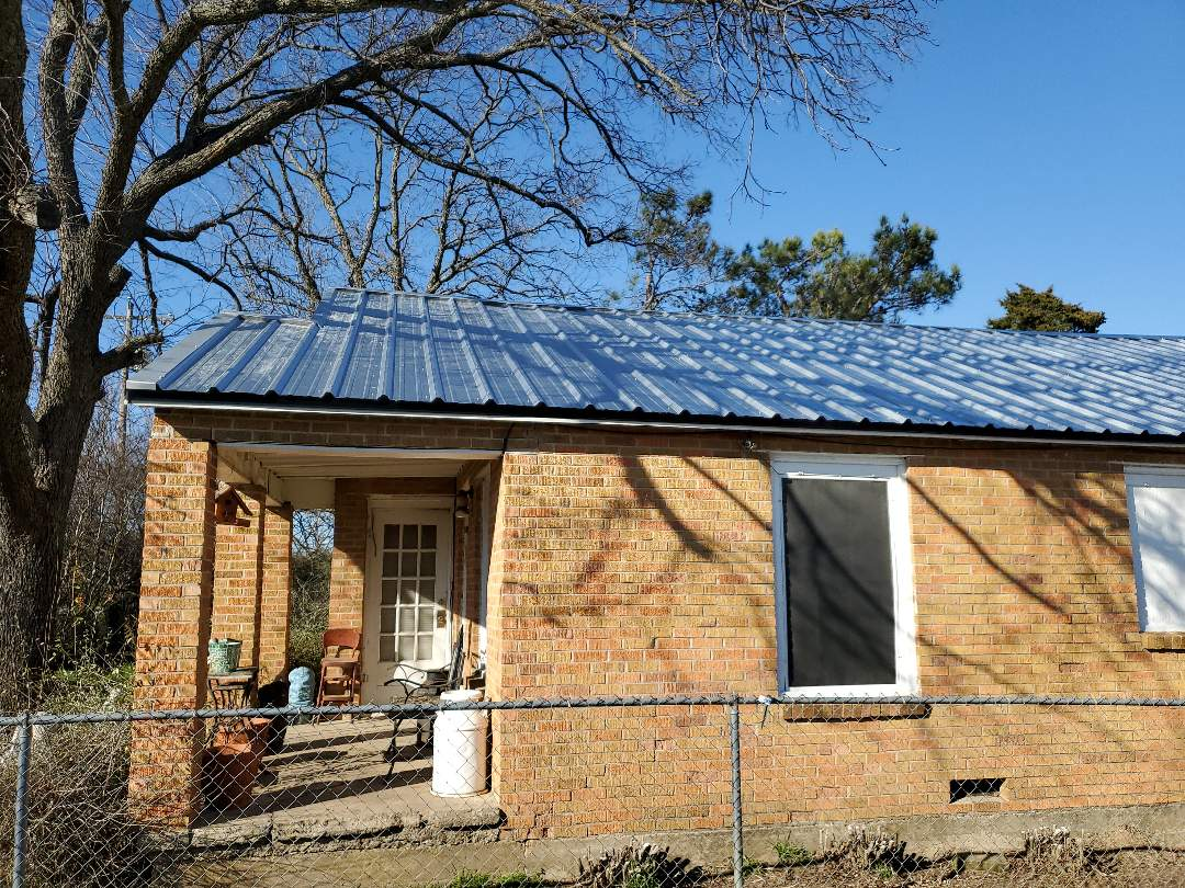 Callisburg, TX - Awesome new galvalume R-Panel Roof in Cooke county Texas