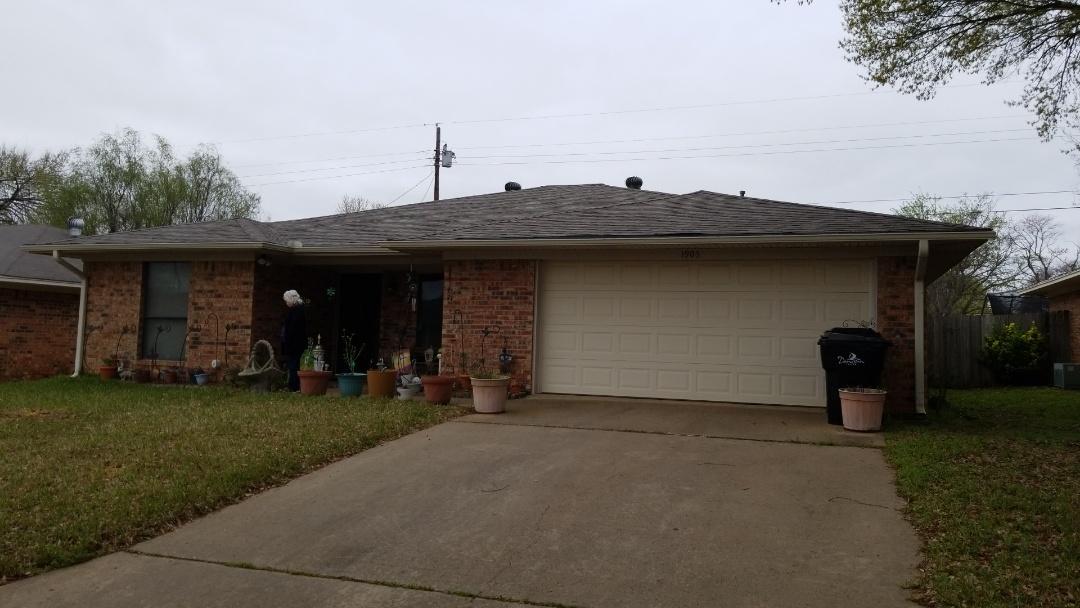 Denison, TX - New Owen's Corning Oakridge Driftwood roof here in Denison Texas