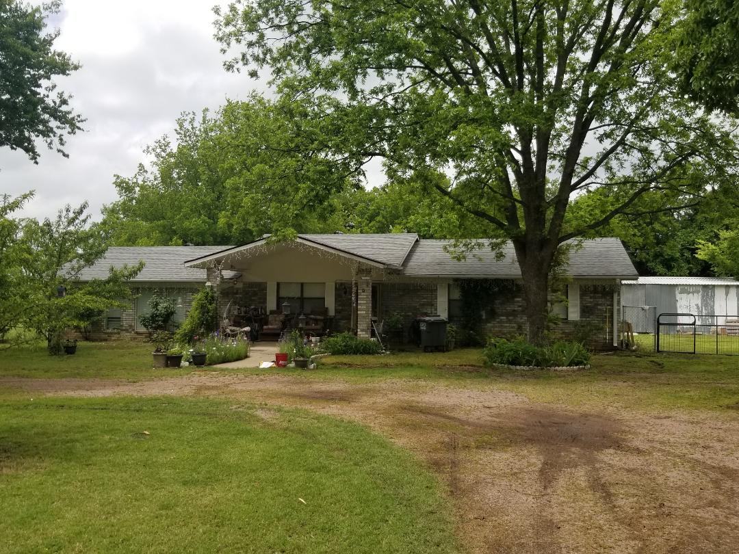 Ravia, OK - New Owen's Corning Oakridge Estate Grey Roof here in Ravia Oklahoma