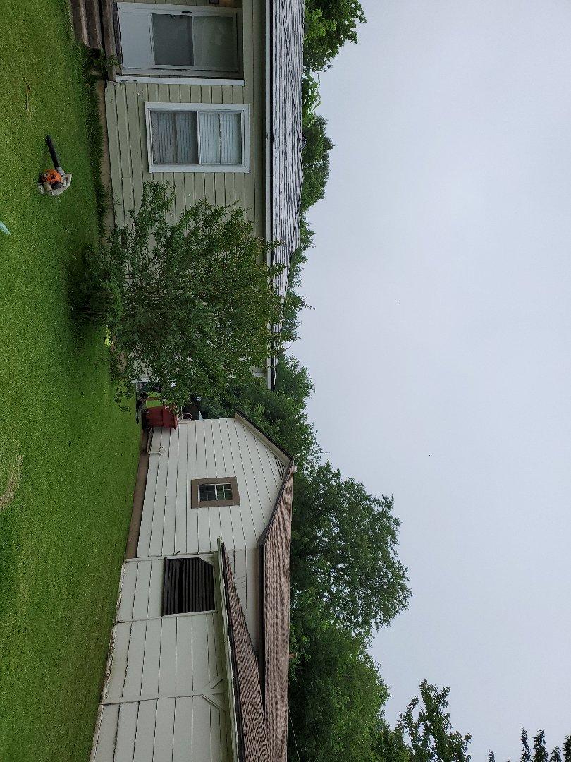 Bonham, TX - Beautiful new Owens Corning Oakridge Sarah Gray roof by lankford roofing in Bonham Texas