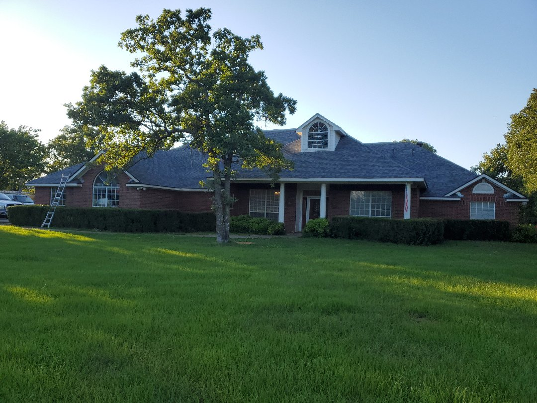 Bokchito, OK - Beautiful new I want scorning Duration Estate Gray roof with some facsia work by Lankford roofing in Bokchito Oklahoma