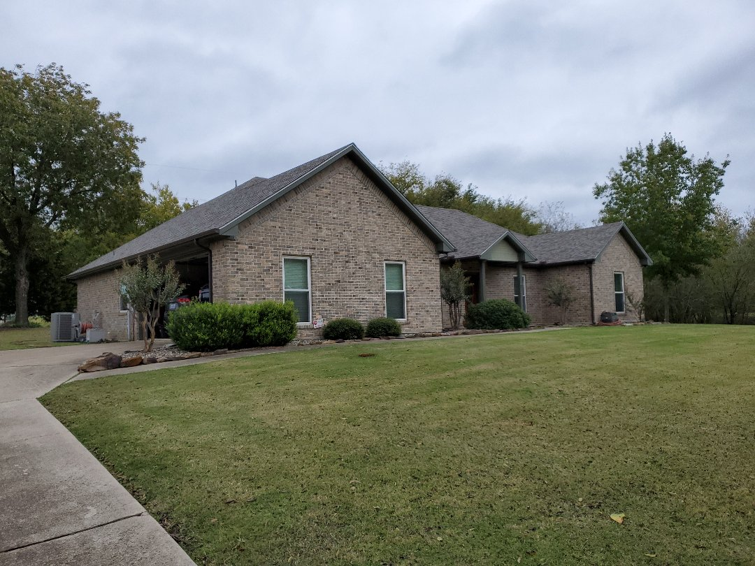Van Alstyne, TX - Beautiful new Owens Corning weather guard class four shingle with new gutters in Van Alstyne ,for a great couple.By Lankford Roofing