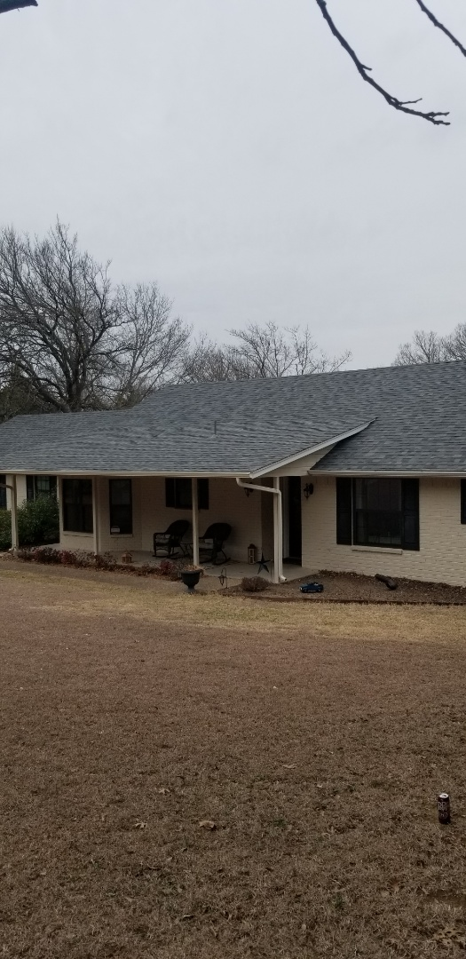 Sherman, TX - Lankford Roofing just installed a beautiful new Owen's Corning Weatherguard Estate gray shingle roof.