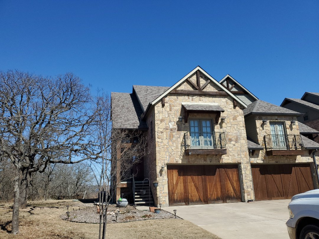 Gordonville, TX - Beautiful new Owens Corning duration driftwood single on townhomes in Gordonville,by Lankford roofing