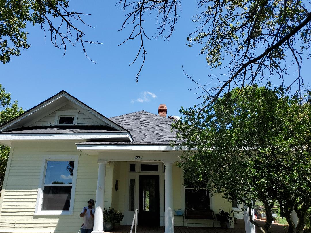 Caddo, OK - Beautiful new GAF TIMBERLINE HDZ CHARCOAL ROOF for an awesome couple in Caddo Oklahoma