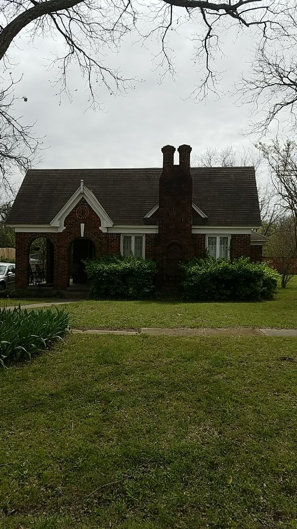 Whitewright, TX - Putting in a bid for a new roof