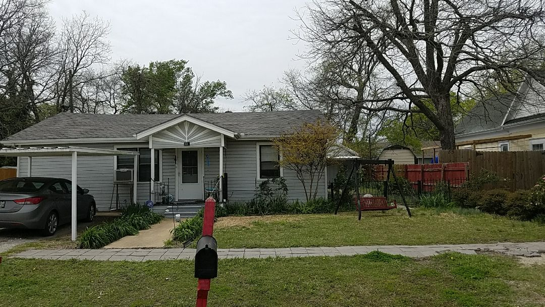 Whitewright, TX - Giving an estimate for a new roof