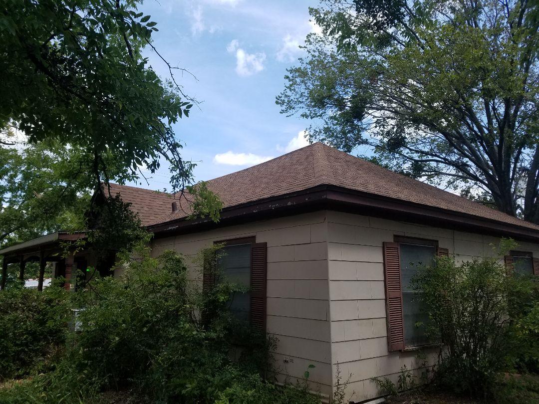 Bells, TX - Installed beautiful new Owen's Corning roof