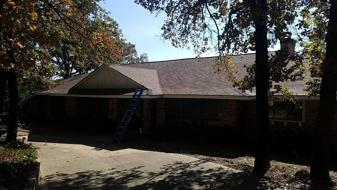 Denison, TX - Install the beautiful new Owens Corning aged Cedar roof in Denison Texas for some really nice folks