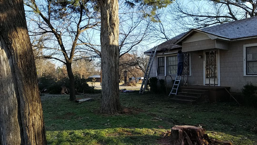 Denison, TX - Doing a repair work tree fell on a house in Grayson County by the Red River