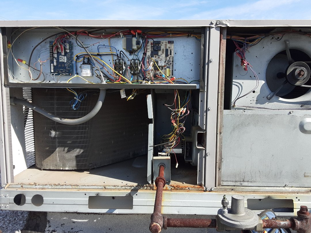 Vienna, VA - Performing a no heat call on a carrier package unit in McLean VA