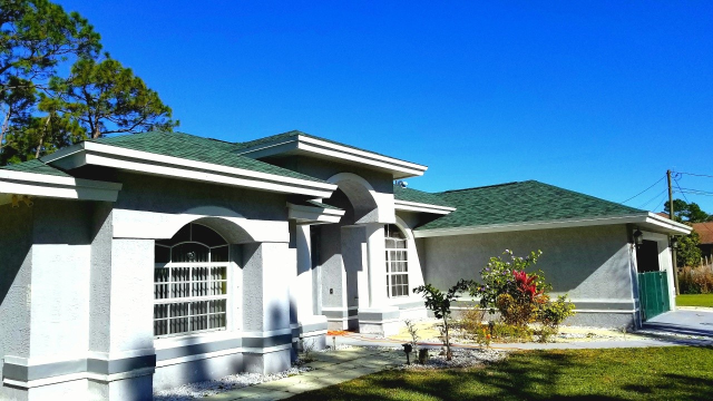 Loxahatchee, FL - Hunter Green Asphalt shingle roof replacement with HD dimensional GAF shingles.