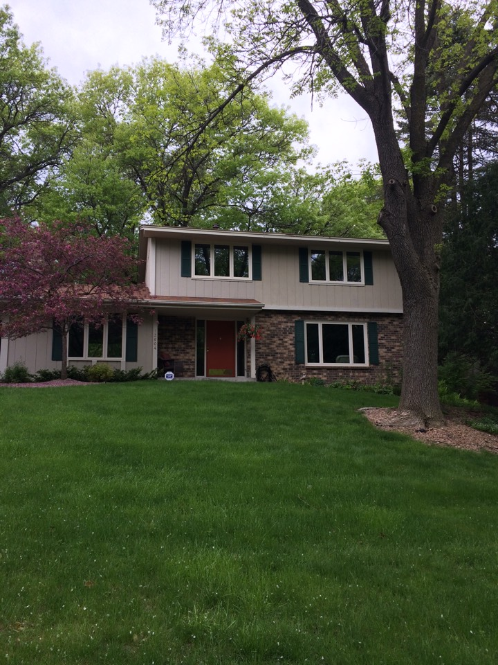 Burnsville, MN - Renewal by Andersen just completed the full frame replacement of casements, gliders and awnings in this beautiful two story.  Homeowners couldn't be happier with the products and installation!
