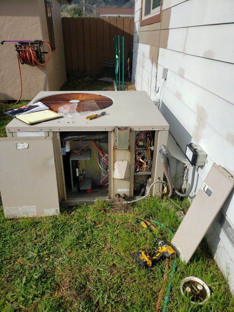 Ukiah, CA - Service call replacing Spark igniter on Amana package unit.