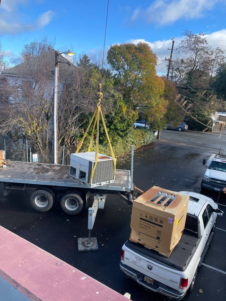 Ukiah, CA - Replacing an old gas/electric packaged rooftop unit with a nice new shiny American standard