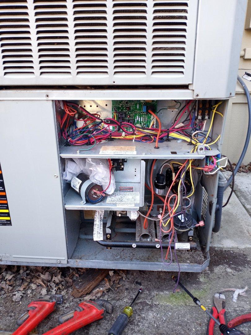 Hopland, CA - Installing new inducer draft motor