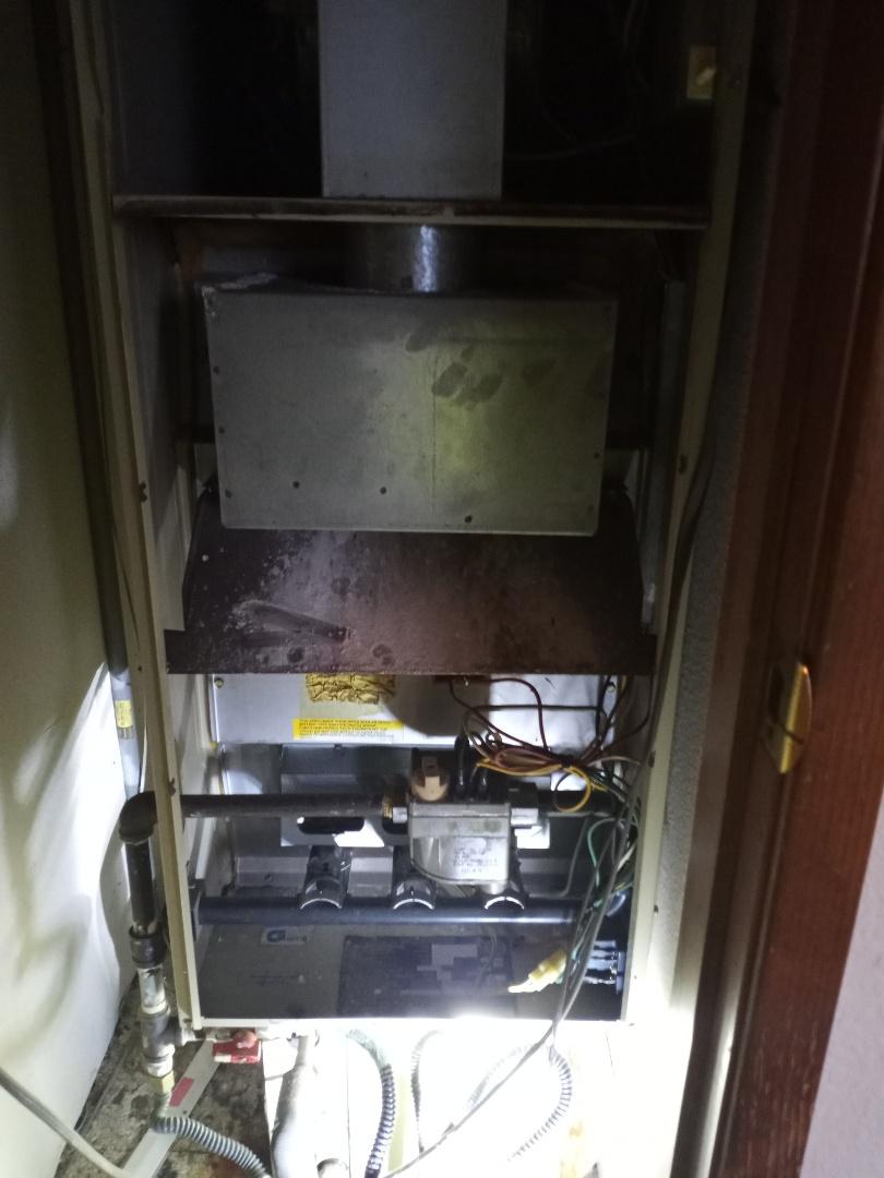 Ukiah, CA - Replacing limit switch on downflow furnace