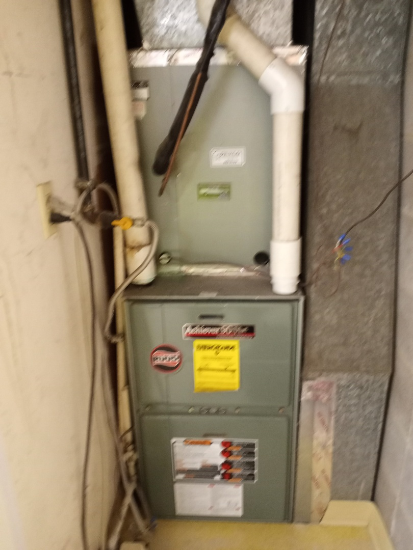 Willits, CA - No heat up flow RuuD furnace