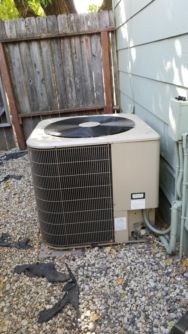 Ukiah, CA - Service on Amana air conditioning