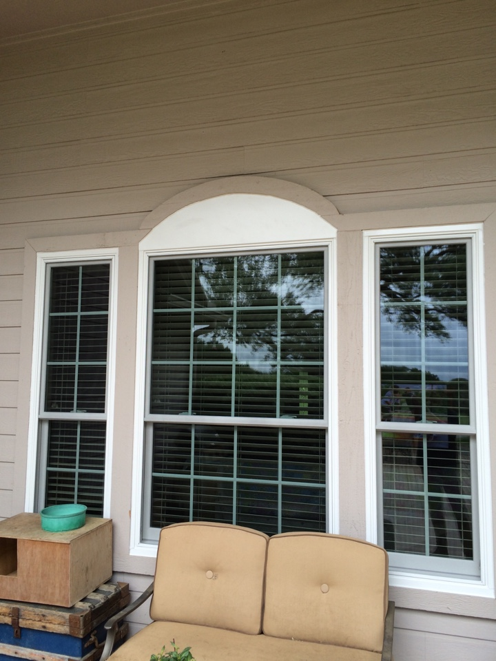 Bulverde, TX - 3 double hung RBA windows. Off white color in siding