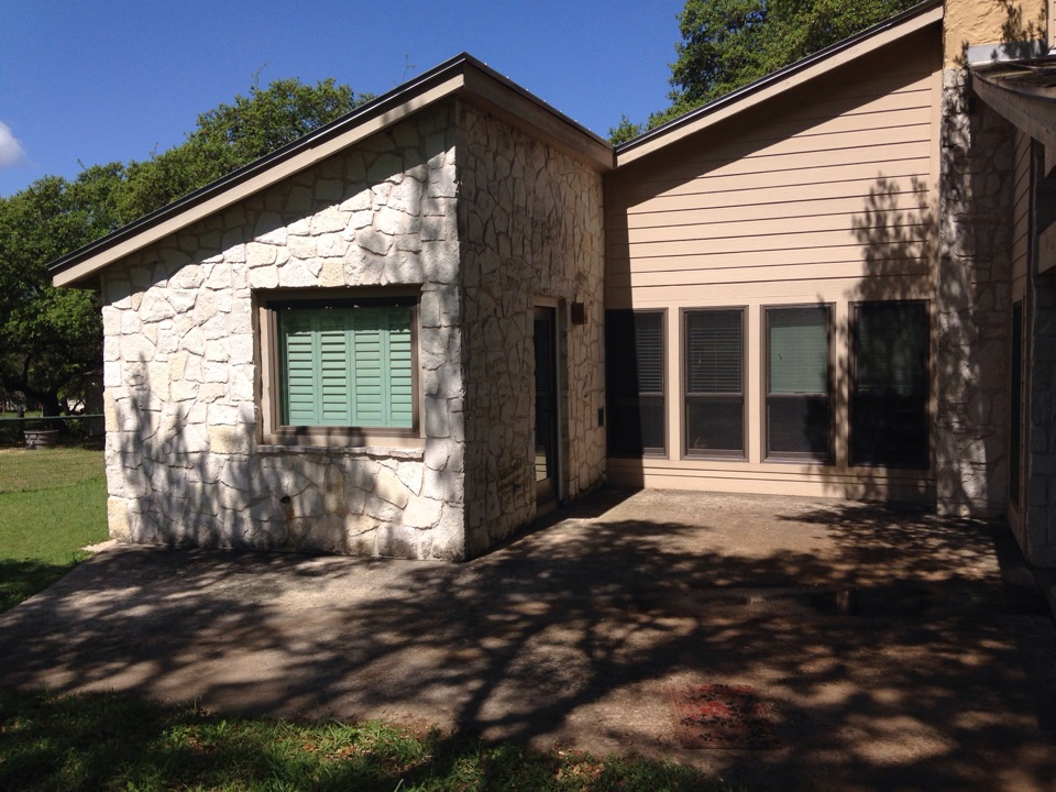 Bulverde, TX - Andersen double hung and picture Windows