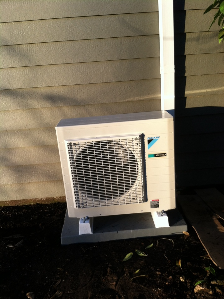Turner, OR - Daikin heat pump installation