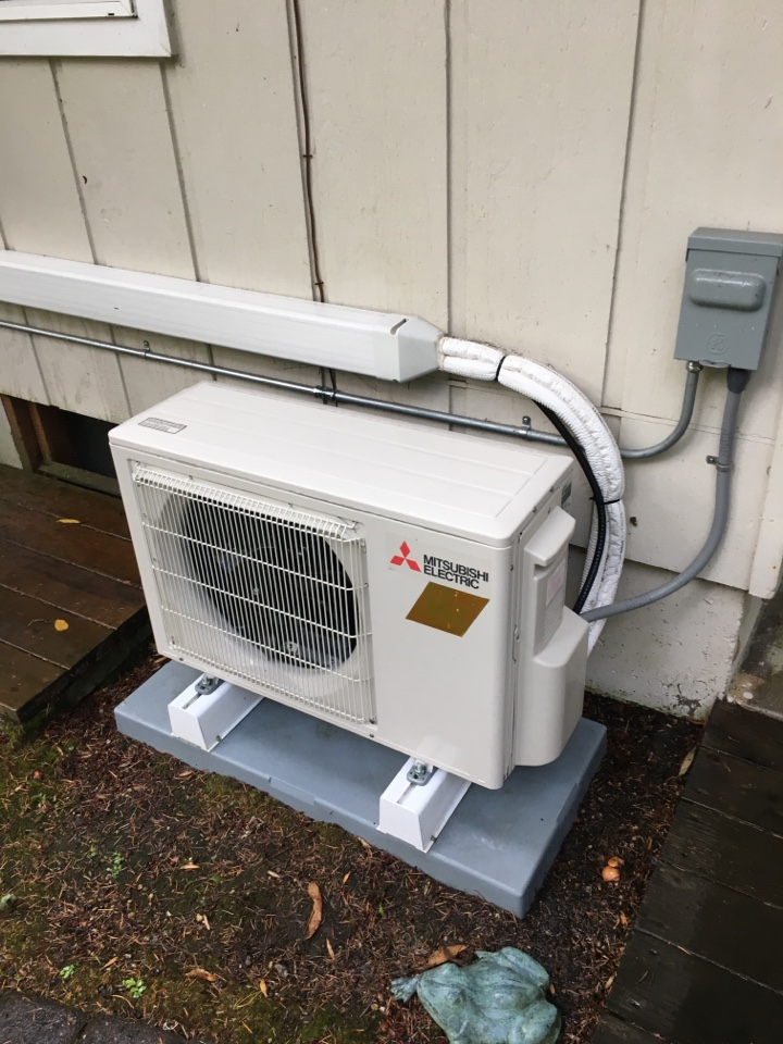 Eugene, OR - Mitsubishi ductless heat pump maintenance tuneup