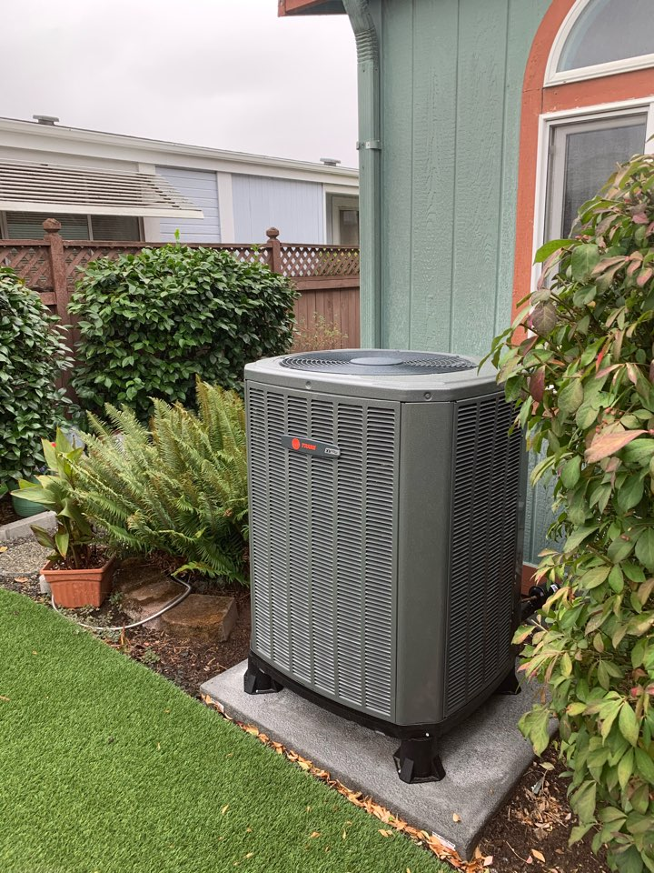 Monmouth, OR - New heat pump install